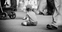 Indignante: niño de 3 años se pierde en la noche y su madre lo reclama 12 horas después