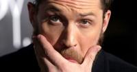 """Tom Hardy revela el """"humillante"""" tatuaje que se tuvo que hacer tras perder una apuesta con DiCaprio"""