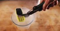Esto es lo que ocurre cuando sumerges el nuevo teléfono Nokia en nitrógeno líquido a -196° celsius