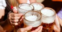 """El nuevo """"Rey de la Cerveza"""" bebió 1 litro en 17 segundos"""