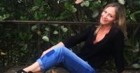 """""""Qué cuerpazo"""": Marcela Vacarezza deslumbra en Instagram con un bikini amarillo en Pucón"""