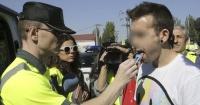 Automovilista fue detenido para hacerle un test de drogas y salió positivo en todas