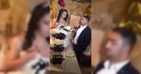 Estaba cortando su pastel de bodas y el gesto de su pareja lo convirtió en el peor novio del mundo