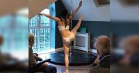 Asilo de ancianos contrata a bailarinas de caño para mantener entretenidos a los abuelos