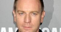 """El karma le dio un """"golpe al mentón"""" a Ewan McGregor tras dejar a su esposa por una actriz"""
