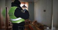 Macabra escena: Vivió durante 30 años con el cadáver momificado de su madre y nadie lo notó