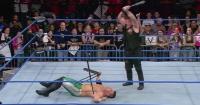 El brutal golpe de lucha libre que salió mal y casi le cuesta un ojo a un peleador