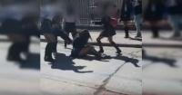 Indignación por brutal golpiza a alumnamientras compañerossolo atinan a mirar