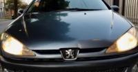 """""""Soy apenas un auto usado"""": automóvil que 'se vende solo' causa furor en la web"""