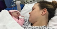 Joven se enteró que estaba embarazada cuando comenzó el trabajo de parto