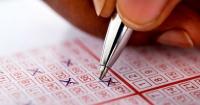 """Matemático se hace millonario al descubrir un """"truco"""" para ganar siempre la lotería"""