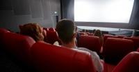 Hombre muere luego que su cabeza quedara atrapada en la butaca de un cine