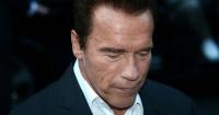 La foto de un 'insignificante' Arnold Schwarzenegger que se viraliza por Facebook