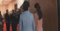 Kim Jong-un empuja a hombre que quería fotografiar a su esposa