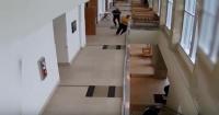 La peor fuga de la historia: acusado saltó de un segundo piso para huir de su juicio