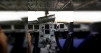 Avión perdió el parabrisas a 10 mil metros de altura y el copiloto fue succionado fuera de la cabina