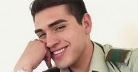 """""""Que la gente sepa que es un mentiroso"""": la acusación que complica al carabinero que busca ser Mister Chile"""