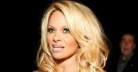 """La """"escandalosa"""" película con Pamela Anderson por la que cerraron una sala de cine en Argelia"""