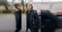 Multarán por acoso callejero a mujer que insultó a personal de aseo en Las Condes