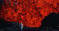 El trágico final de la pareja que desafiaba a los volcanes a centímetros de la lava