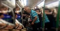 Anciano abofetea a una mujer por no darle el asiento en el metro