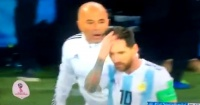 ¿Sampaoli le preguntó a Messi si tenía que poner al Kun Agüero?