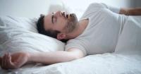 Dormir al lado de alguien que ronca puede perjudicar tu salud