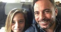 Acusan de explotación infantil al padre del niño actor que interpreta a Luis Miguel