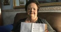 Lleva 20 años haciendo una agenda para su abuela que no sabe leer