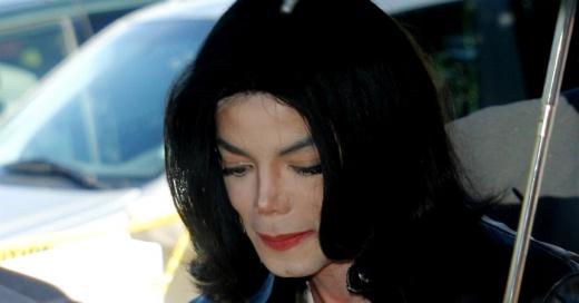 """""""Tenía un lado oscuro"""": Ex empleada de Michael Jackson dice que la amenazaron de muerte si revelaba lo que pasaba en Neverland"""