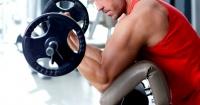 ¿Cuántas series de levantamiento de pesas hay que hacer para volverse más fuerte?