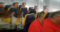 Polémica por ataque racista en un avión: hombre no quiso sentarse con una mujer por ser negra