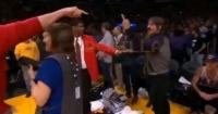 Vocalista de Red Hot Chili Peppers fue expulsado de un partido por insultar a un basquetbolista
