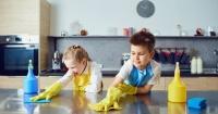 """Estos son los """"trucos"""" para conseguir que tus hijos ayuden en las tareas del hogar"""