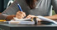 """La ciencia dice que las personas con """"letra fea"""" son más inteligentes"""
