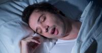 El truco definitivo para dejar de roncar: en solo 5 minutos