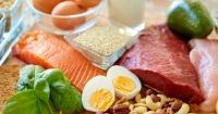 Estos son los alimentos recomendados para consumir a diario (y los que no)