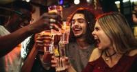 El alcohol te ayuda a hablar mejor otros idiomas