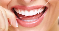 Usar hilo dental puede ser un riesgo para tu salud y esta es la razón